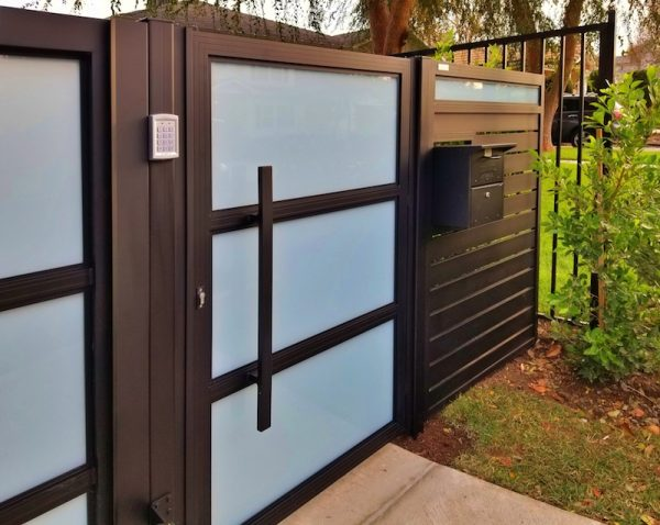 Aluminum and Glass Walkway Gate Encino