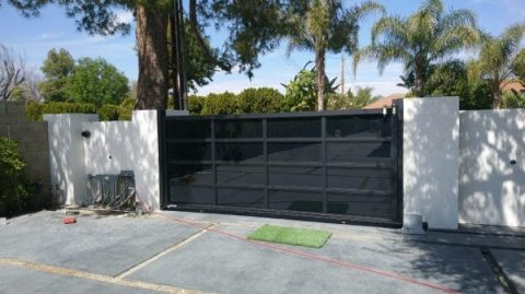 Aluminum Gates - Privacy and Beauty